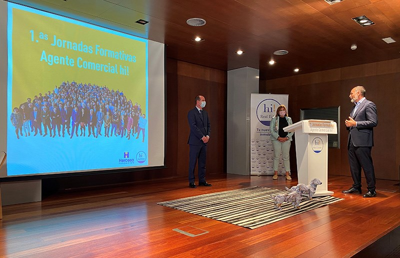More than 100 students attended the first Training Sessions online of Fundación Hercesa